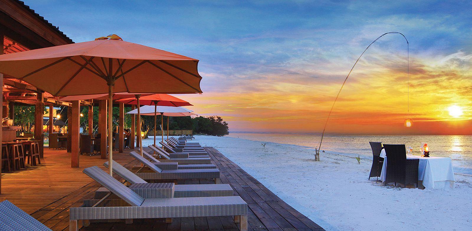 Hotel ombak sunset avstral azija for Sunset lodge
